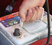 Любитель старых «Москвичей» попался на краже аккумуляторов в Бердске