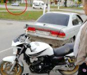 Мотоциклист в Бердске наехал на «Ниссан» и не пострадал