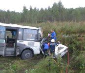 Житель Искитимского района угнал «шестёрку» и врезался на ней в автобус