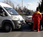 325-я маршрутка попала в ДТП в центре Бердска