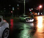 Две девушки травмированы в столкновении двух «Ниссанов» на перекрёстке в Бердске