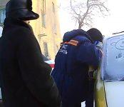 Один в машине: Спасатели МАСС оказали помощь ребёнку, заблокированному в салоне