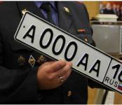 За «красивые номера» пострадал экс-полицейский в Новосибирске