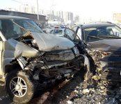 Лобовое столкновение авто на трассе в Бердске обошлось без пострадавших