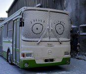Новосибирских дорожников отправили спасать замерзающих на трассах водителей
