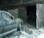 В Бердске горел двухуровневый гараж