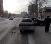 Таксист попал в ДТП на Красной Сибири в Бердске