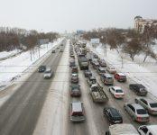 В правительстве НСО рассказали о дежурствах дорожных служб на новогодние праздники