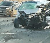 Тройное ДТП с участием фуры под Искитимом парализовало движение на трассе Р-256