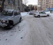 Житель Бердска разбил ночью свой и чужой авто и скрылся с места происшествия