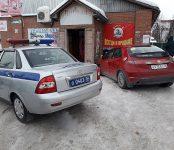 Молодой водитель на «Хонде» проломил стену пивнушки в Бердске