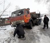 На «пьяной дороге» в Бердске длинномер съехал в кювет