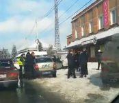 Двух пешеходов сбил водитель «Рено» в Искитиме