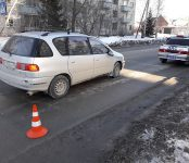 У Дома ветеранов в Бердске «Тойота Ипсум» сбила пешехода