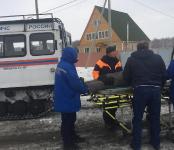 На льду Обского моря упал со снегохода рыбак: появилось фото с места происшествия