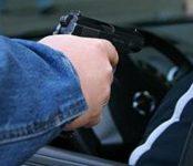 «Дорожные войны»: Пьяный водитель гнался за семьей с детьми в Бердске и угрожал пистолетом