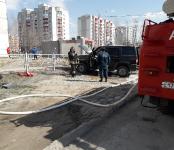 Средь бела дня в Бердске загорелся УАЗ «Патриот»