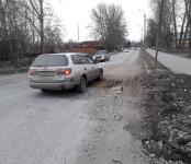 По «дырявой» дороге в Бердске вынужден курсировать общественный транспорт