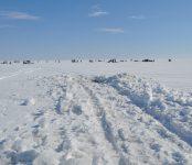 Троих рыбаков эвакуировали с утонувшего снегохода спасатели Бердска