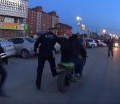 В Бердске в День Победы полицейские задержали пьяного мотоциклиста
