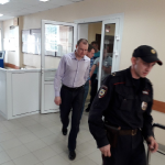 В Бердске осудили полицейских путём обмана перепродавших чужой автомобиль