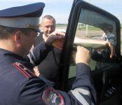 Автоинспекторы НСО проверили стёкла авто на прозрачность