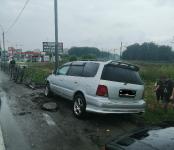 Мужчина на «Honda Odyssey» снёс «могильную оградку» на трассе в Бердске