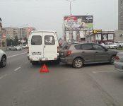 «Pontiac» наехал на маршрутку №11 в центре Бердска