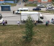 Рейсовый автобус устроил «паровозик» у перехода в Бердске
