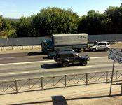 Легковушка «догнала» грузовик на трассе в Бердске