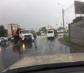 «Toyota Camry» попал под мусоровоз «МАЗ» в Бердске