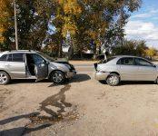 Допустившему ДТП в Бердске пожилому водителю авто стало плохо во время движения
