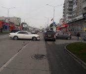 «Марк II», точнее его водитель, устроил тройное ДТП на главной улице Бердска