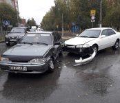 Toyota Gracia vs Lada Samara на аварийно-опасном перекрёстке в Бердске