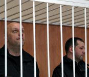 В Бердске начали судить обвиняемых в угоне автокрана и «КамАЗа» мужчин