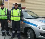 Экипаж ДПС ГИБДД региона изъял наркотики у водителя авто в Новосибирске
