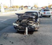 Автоледи из Искитима на Nissan Cefiro протаранила Mitsubishi Pajero на трассе у бердского посёлка «Вега»