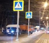 В жёсткой пробке встала трасса Р-256 в сторону Новосибирска из-за массовой аварии в районе посёлка Геологов