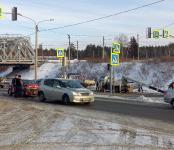Первое ДТП в районе нового светофора на трассе в Бердске