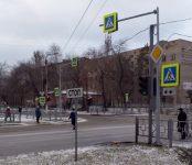 С раннего утра до обеда в центре Бердска «зависал» светофор