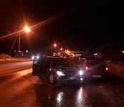 Таксист из Новосибирска неудачно развернулся на трассе в Бердске и попал в ДТП