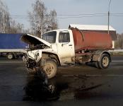 Асмашина из Бердска протаранила КамАЗ на трассе Р-256