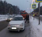 Два большегруза не пострадали, попав в ДТП с легковушками на трассе в Бердске