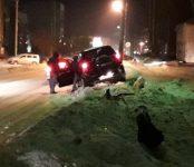 «Вспахал» обочину и сбил дорожный знак Suzuki  в Бердске
