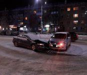 Стояла в жёсткой пробке улица Ленина в Бердске из-за двух «экономных» таксистов