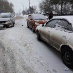 «Свидетель»: Девушка на Toyota Ipsum устроила тройное ДТП в Бердске