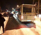Жёсткое ДТП с рейсовым автобусом «устроила» колея на улице Красноармейской в Бердске