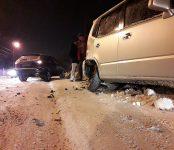 Из-за 10-сантиметровой колеи продолжают биться машины на Красноармейской в Бердске