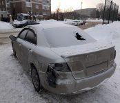 Неизвестные вандалы раскурочили Mazda Atenza на выезде из парка «Ремикс» в Бердске