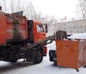 Перевозчик мусора в Бердске не станет вывозить новогодние ёлки